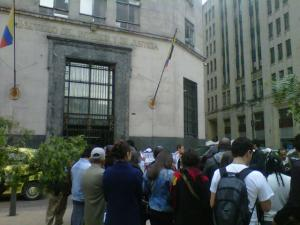 Plantón frente al Ministerio del Interior en Bogotá en apoyo al retorno a Las Pavas.
